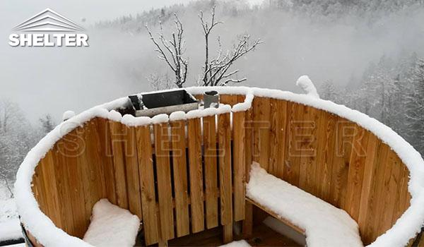 Hot Tub In The Caucasus Mountain-Shelter Dome-ecoresort-Shelter Domos